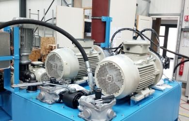 How to do maintenance on a hydraulic power unit ?